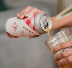 Steel & Oak Brewing vanpours craft beer Vancouver luke mikler photography pour of the week